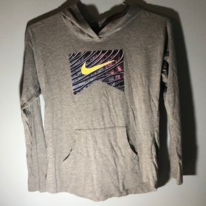 Nike kids long sleeve shirt
